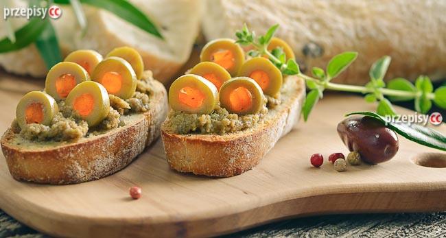 grzanki-z-oliwkami