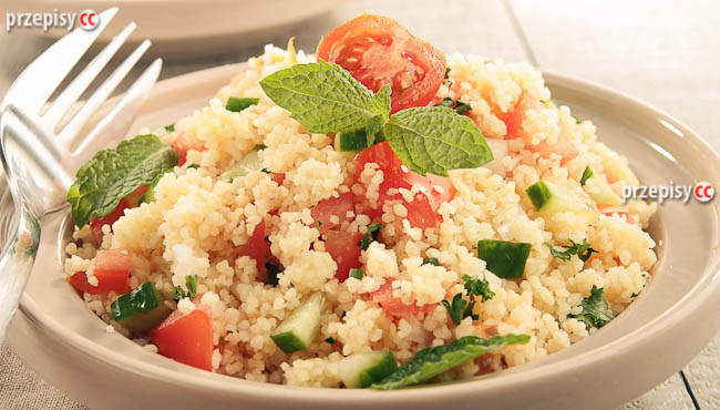 kuskus-z-pomidoroami-i-ogorkiem (2)