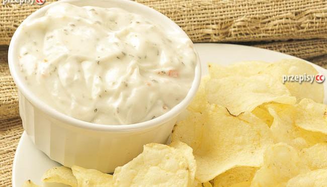sos-czosnkowy-do-chipsow