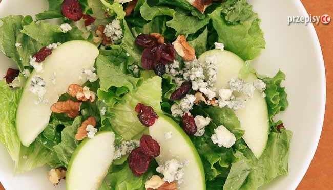 salatka-z-jablka-i-sera-plesniowego