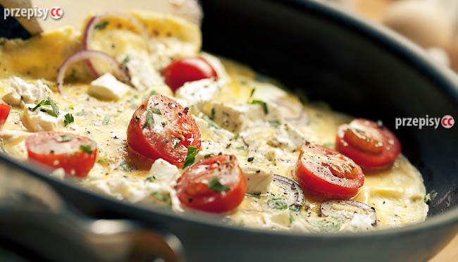omlet-i-pomidorki-koktajlowe