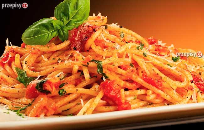 spaghetti-z-sosem-pomidorowym (2)